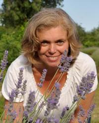 Christine Feik (vormals Steiner) Ärztlich geprüfte Aromapraktikerin